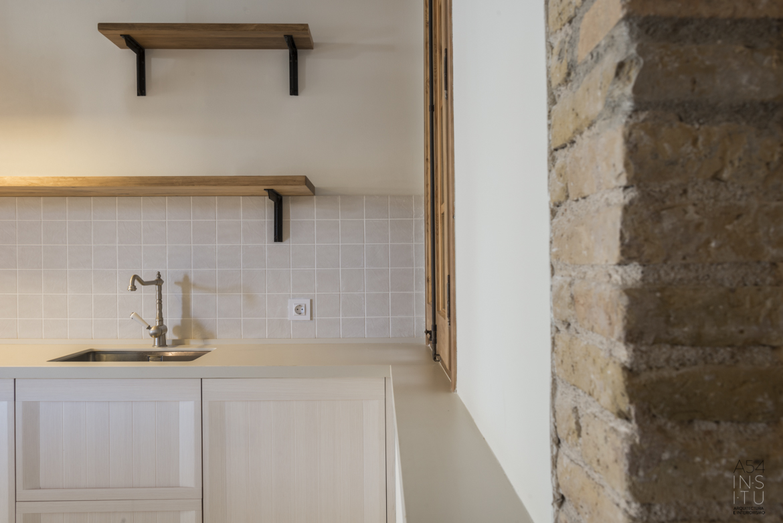 proyecto de reforma interior de una vivienda en la Gran Vía Eixample de Barcelona realizado por el estudio de arquitectura diseño e interiorismo A54insitu ubicado en Las Armas Zaragoza